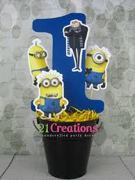 minions centerpieces despicable me centerpiece via etsy center idea
