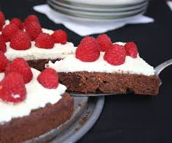 flourless chocolate torte with mascarpone and raspberries low