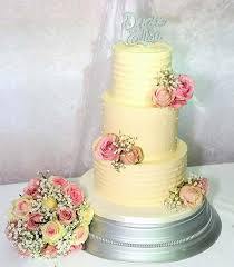 wedding cake buttercream the prettiest buttercream wedding cakes hitched co uk