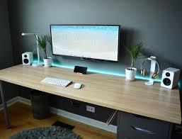 Pc Desk Setup Pin By Jacob Menn On Para Mi Pc Pinterest Desks Gaming Setup
