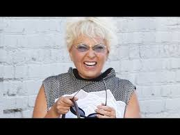 new look for roseanne barr 2015 with blonde hair roseanne barr barely recognizable at jimmy kimmel live youtube