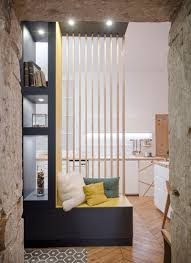 meubles entrée design une entrée très design avec meuble bibliothèque et banc d
