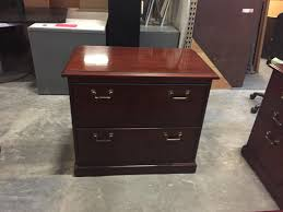 Traditional Office Desks Pre Owned Furniture Jsi And Kimball Traditional Office Suites