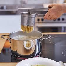presse cuisine presse passatelli forme des pâtes au parmesan une délicieuse