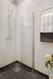 how to design a small bathroom best 25 small shower room ideas on tiny bathrooms