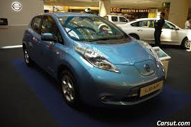 nissan leaf electric car review nissan leaf electric car with no gas needed carsut understand