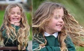 coupe de cheveux fille 8 ans a 5 ans sa première coupe de cheveux le baby doctissimo