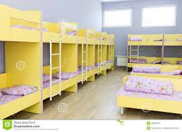 chambre a coucher des enfants chambre à coucher moderne de jardin d enfants avec de petits lits