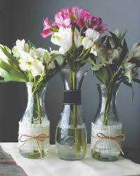 Simple Flower Vase - find out how to add a touch of chic to a vase jar or carafe with