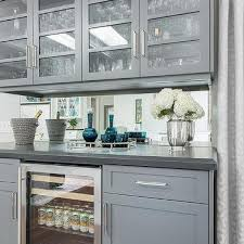 Gray Bar With Mirror Backsplash Design Ideas - Mirrored backsplash