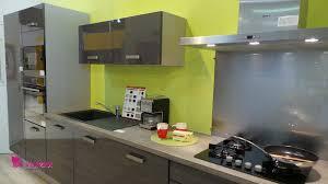 cuisines deco cuisine gris et vert tonnant deco anis id es de design chambre by