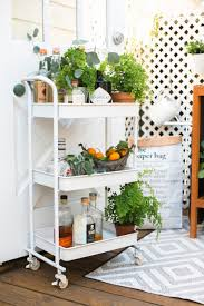 How To Throw A Party In A Small Space - 9 unique parties to throw this summer darling magazine