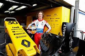 renault australia renault australia partners with aussie racing star alex peroni