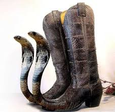 the ssslickest snake cowboy boots things