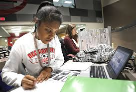Anatomy And Physiology Class Huntley District 158 Blended Learning Enrollment Explodes