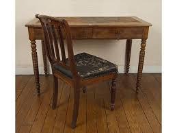 bureau en acajou bureau acajou pieds tournés et chaise en acajou à dossier renversé