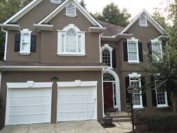 awesome black trim house 102 white house black trim red door