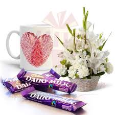 flowers gift send more gifts mug with chocs and flowers gift to pakistan