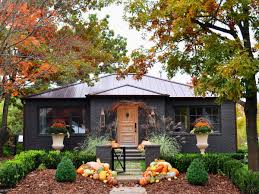 outdoor decorating for fall and thanksgiving southern living