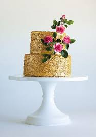 wedding cake edible decorations cakes that shine using edible glitter paint and sparkle dust