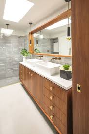 Mid Century Modern Interiors by Best 20 Mid Century Bathroom Ideas On Pinterest Mid Century