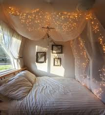 romantic canopy beds cotton pillows laminated floor