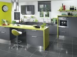 cuisine verte et marron deco gris et vert deco salon moderne couleur peinture salon vert