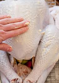 tutorial for the best thanksgiving turkey on design living well 7 secrets to the juiciest thanksgiving turkey design