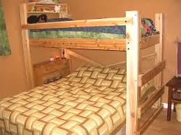 Bedroom Endearing Triple Bunk Bed With Table Underneath Queen For - Queen single bunk bed