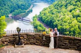 Wedding Venues In Wv Nature Inspired Wv Wedding At Hawk U0027s Nest State Park