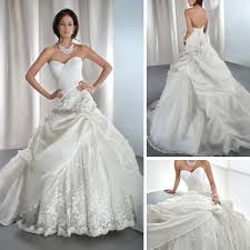 Cinderella Wedding Dresses New Fashion Appliqued Ivory Lace Organza Sweetheart Ball Gown