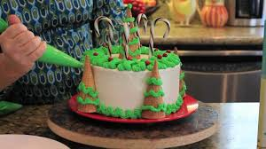 Decorated Christmas Trees On Youtube by Decorating Christmas Tree Cake Youtube