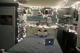 White Christmas Bedroom Decorations by Beautiful Christmas Bedroom Decorating Ideas Newhomesandrews Com