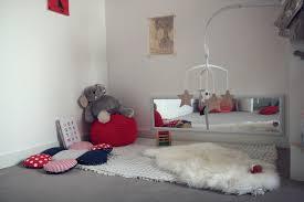 chambre bébé montessori l espace de jeu du tout petit minuscule infini
