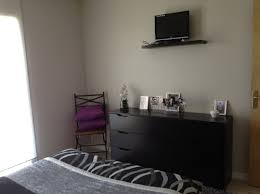 tv dans chambre tele murale chambre idées décoration intérieure