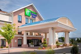 Closest Hotel To Six Flags New England Holiday Inn Westfield Ma Booking Com