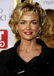great hairstyles for women over 40 hairstyles for curly hair over kelly carlson short curly hair