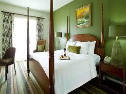 decorating a guest bedroom green bedroom walls decorating ideas green wall guest 12
