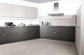 laminat für küche l form küche aus laminat amazonas und oberschränke in matt graubraun