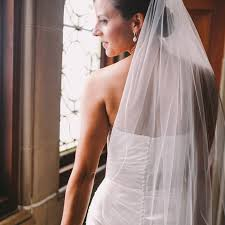 wedding veils why are wedding veils so expensive popsugar fashion
