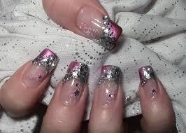 n gel selber designen metallic glitter nageldesign mit water nail tattoos zum selber