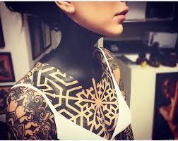 imagenes tatuajes cuello cande tinelli su nuevo y extremo tattoo en el cuello caras