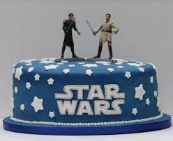 starwars cakes wars cake with and two wars characters cake toppers png