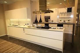 k che wei hochglanz hausmarke musterküche moderne grifflose küche weiß hochglanz