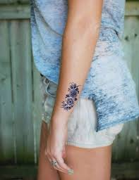 tatouage femme avant bras un motif fin sur la nuque tatouage je m u0027y mets ou pas