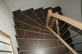 fliesen treppen fliesen baukeramik und naturstein für treppen und stufen