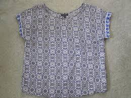 cynthia rowley blouse cynthia rowley blue white black medallion print shell blouse top s