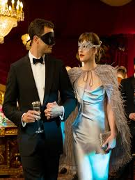 40 couples halloween costume ideas to haunt everyone