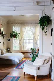 best 25 studio apartment layout ideas on pinterest studio rootsgrowdeeper grayskymorning luisa brimble this down to the rugs and hanging plants and
