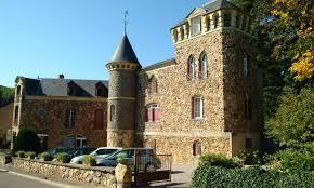 chambre d hotes morvan château atypique avec chambres d hôtes et gîtes au sud du morvan